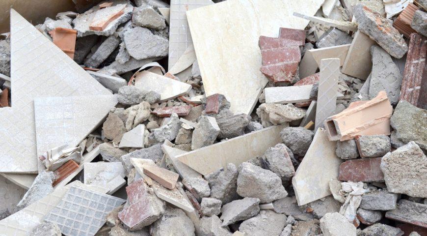 Rifiuti edili in condominio ragazzino inciampa, condannato il committente